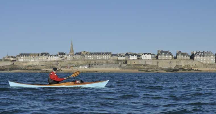 Des kayaks LEO au large de St Malo !